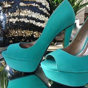 Qupid Heels. Mint Green. Women's Size 6.5